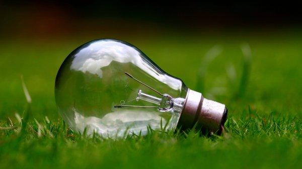 light-bulb-984551
